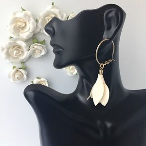 New Floral Drop Earrings Cream Color
